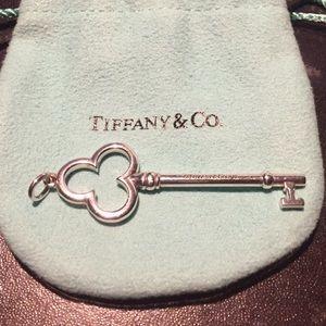 "Tiffany Trefoil/Clover Key 2.25"" Bale to End"
